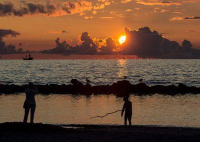 zachód słońca na plaży w Darłówku