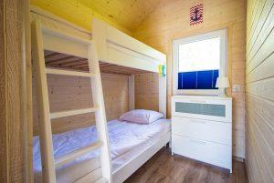 Domki Morska Przystań mała sypialnia