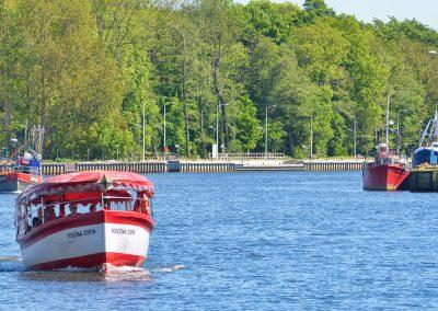 Tramwaj wodny kursujący z Darłowa do Darłówka